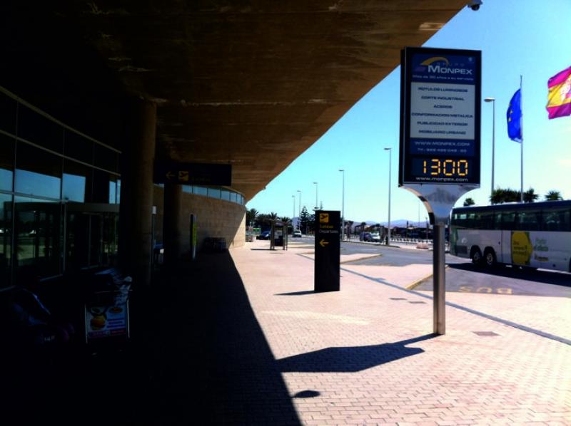 Soporte publicitario Aeropuerto Fuerteventura